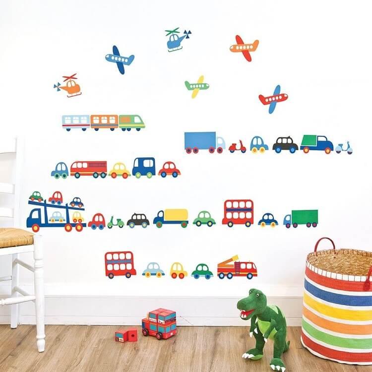 vẽ tranh tường cho bé trai