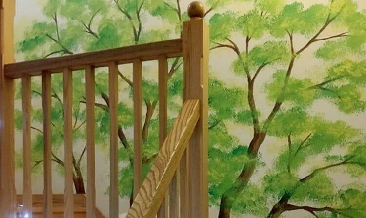 vẽ tranh tường cầu thang