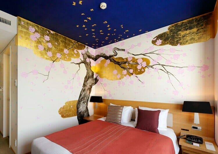 vẽ tranh tường khách sạn