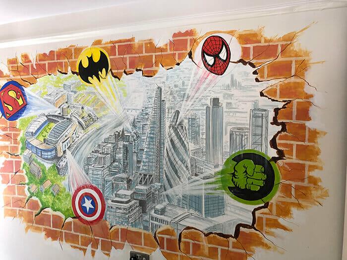 vẽ tranh tường mầm non siêu anh hùng